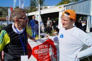 2.Sieger über 10 km Clemens Bleistein im Plausch mit Mitautor Jörg Valentin