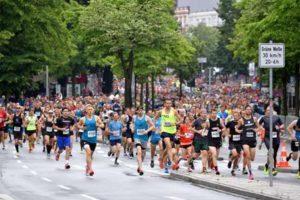 Läuferscharen waren beim hella Hamburg Halbmarathon unterwegs