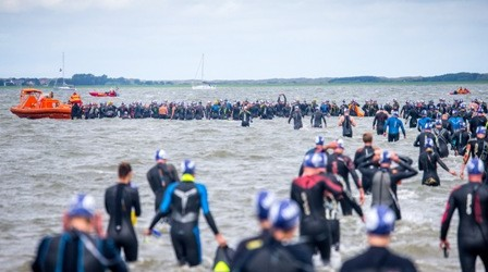 Inselschwimmen: Spektakel für Freiwasserschwimmer