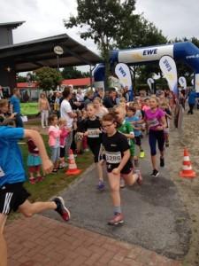 Der Schülerlauf machte den Jüngsten in Ihlow wieder viel Freude