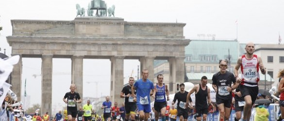 Eliud Kipchoge gewinnt BMW BERLIN-MARATHON