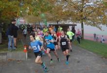 Bramfelder Halbmarathon: Start im Herbstnebel