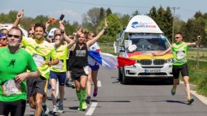 Participants compete during the Wings for Life World Run in Munich, Germany on May 8, 2016. // Marc Müller for Wings for Life World Run // P-20160508-01107 // Usage for editorial use only // Please go to www.redbullcontentpool.com for further information. //
